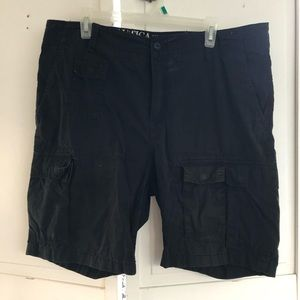 🔥NAUTICA mens Black cargo shorts; modern fit🔥